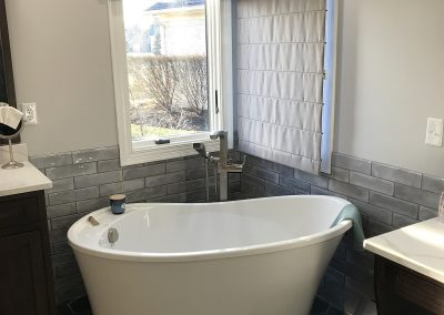 after3 1 400x284 - Avon Bathroom Project